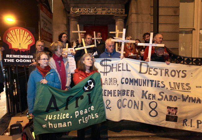 Vigil outside Shell Headquarters on the 20th anniversary of the execution of Ken Saro-Wiwa and the Ogoni 9. Photo: Derek Speirs